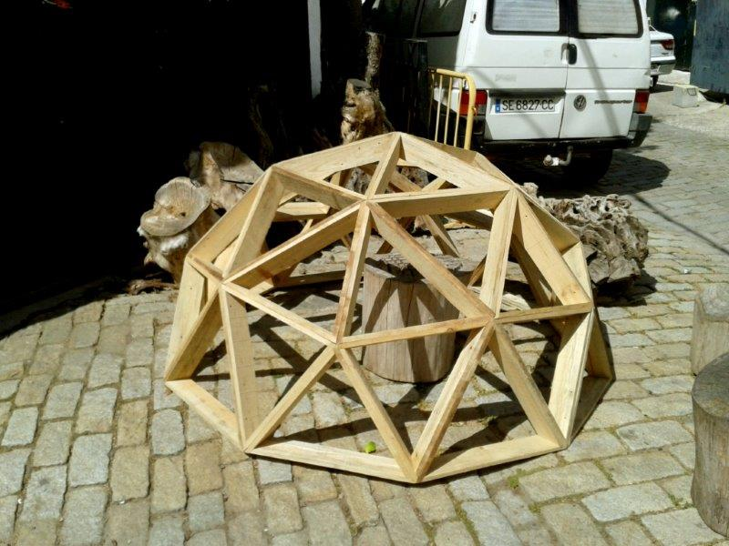 knotless geodesic