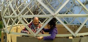 como construir un invernadero materiales reciclados