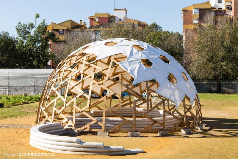 superadobe geodesic architecture autoconstrucción
